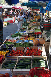 A photograph of the market  in Cotignac.